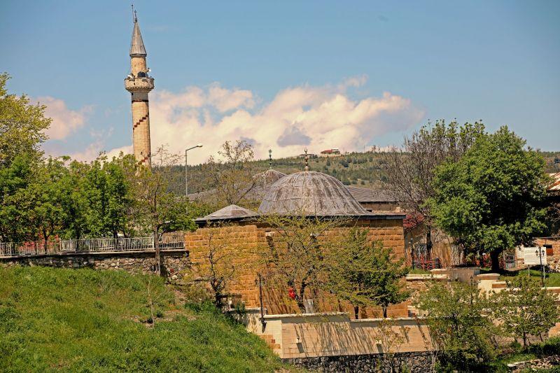 harput-arap-baba-türbesi-mescidi (1)